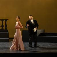 Nadine Sierra et Pene Pati dans Roméo et Juliette