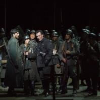 Ludovic Tézier et Roberto Tagliavini dans le Trouvère par Alex Ollé
