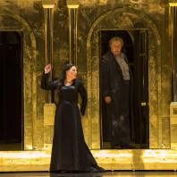 Radvanovsky et Gagnidze dans Aida