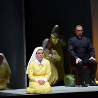 Almas Svilpa et Ausrine Stundyte dans L'Ange de feu