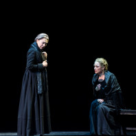 Elīna Garanča et Elena Zaremba dans Cavalleria Rusticana