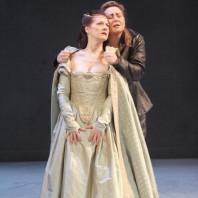 Patrizia Ciofi et Karine Deshayes dans I Capuletti e i Montecchi par Nadine Duffaut