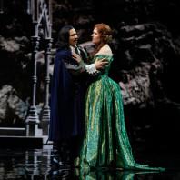 Sergey Romanovsky (Edgardo) et Nadine Koutcher (Lucia) - Lucia di Lammermoor par Nicolas Joel