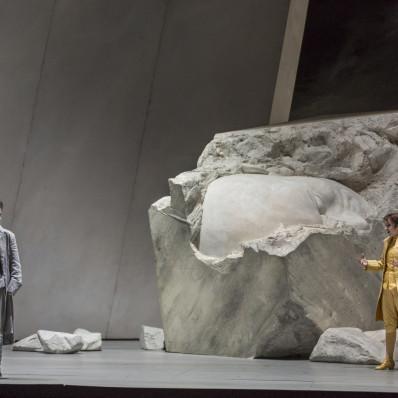 Stéphanie d'Oustrac et Antoinette Dennefeld - la Clémence de Titus par Willy Decker