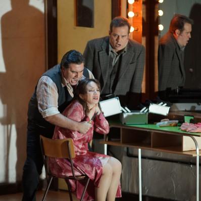 Carlo Ventre (Canio), Simona Mihai (Nedda), Scott Hendricks (Tonio) - Paillasse par Damiano Michieletto
