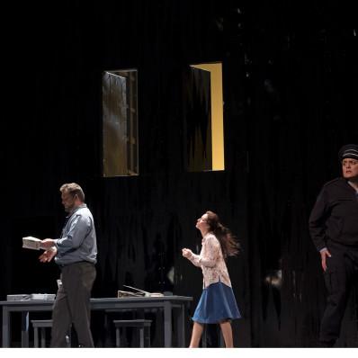 Christian Hübner (Rocco), Olivia Doray (Marcelline) et Claudia Iten (Léonore) - Fidelio par Philippe Miesch