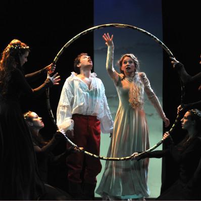 Guillaume Andrieux (Pelléas) et Sabine Devieilhe (Mélisande) - Pelléas et Mélisande par Christian Schiaretti