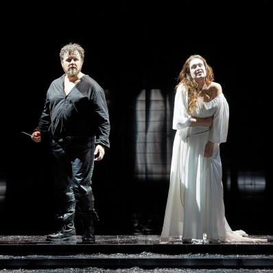 Michael Spyres et Marion Lebègue dans La Nonne sanglante