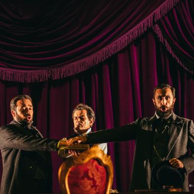 Jean-Vincent Blot, Luca Grassi et Sulkhan Jaiani - Un Bal masqué par Waut Koeken