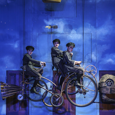 Cameron Lewis, Ruby Llewelyn & Luke Samra - La Flûte enchantée par Dominic Cooke