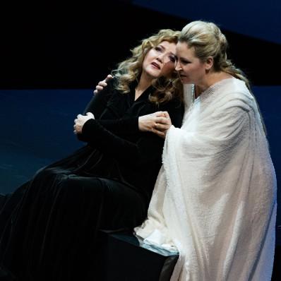 Klara Kolonits & Karine Deshayes - Norma par Anne Delbée