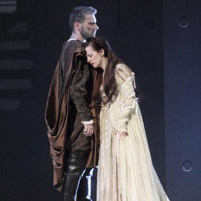 Nicolas Courjal et Patrizia Ciofi dans I Capuletti e i Montecchi par Nadine Duffaut