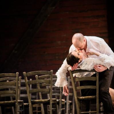 Antoine Belanger et Julie Robard-Gendre - Carmen par Nicola Berloffa