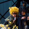 Antoinette Dennefeld (Brigitte) et Anne-Catherine Gillet (Angèle) - Le Domino noir par Valérie Lesort et Christian Hecq
