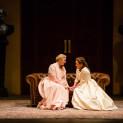 L'infante (Annick Massis) et Chimène (Sonia Ganassi) dans Le Cid de Charles Roubaud