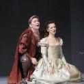 Karine Deshayes et Patrizia Ciofi dans I Capuletti e i Montecchi par Nadine Duffaut