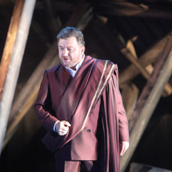 Marc Laho dans Norma