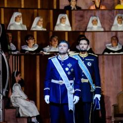 Jonas Kaufmann et Julien Dran dans Don Carlos