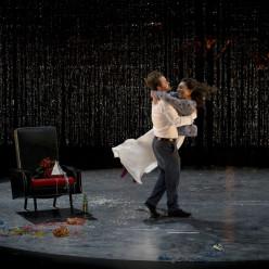 Kevin Amiel et Samantha Louis-Jean dans Les Contes d'Hoffmann
