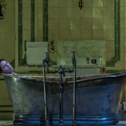 Christina Poulitsi - Lucia di Lammermoor par Katie Mitchell