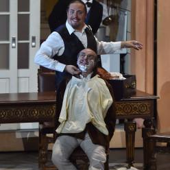 Florian Sempey et Bruno de Simone - Le Barbier de Séville par Adriano Sinivia
