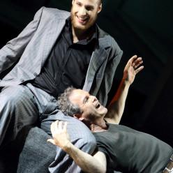 Evan LeRoy Johnson & Gerald Finley - Otello par Amélie Niermeyer