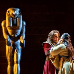 Aida par Stefano Mazzonis di Pralafera