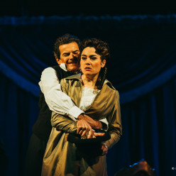 Luca Grassi et Monica Zanettin - Un Bal masqué par Waut Koeken