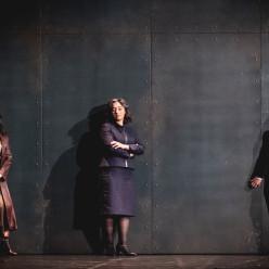 Leticia de Altamirano, Ezgi Kutlu, Josy Santos - Beatrix Cenci par Mariano Pensotti