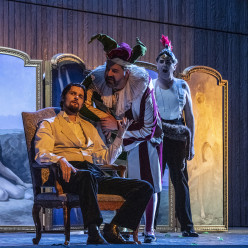 Julien Dran, Stefano Meo et Ugo Rabec - Rigoletto par Jean-Louis Grinda