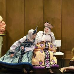 Carole Wilson, Bernarda Bobro, Stine Marie Fischer & Svetlana Aksenova - Le Conte du tsar Saltan par Dmitri Tcherniakov