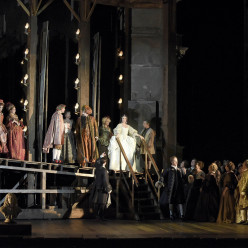 Photo d'Adriana Lecouvreur à l'Opéra de Paris