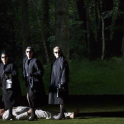 Andreea Soare, Anna Pennisi, Katharina Magiera dans la Flûte enchantée