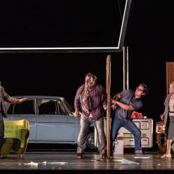 Markus Werba, Bryn Terfel, Ioan Hotea - Don Pasquale par Damiano Michieletto