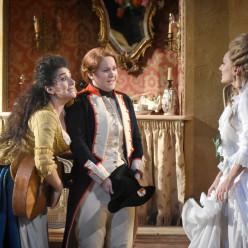 Anna Aglatova, Eléonore Pancrazi & Vannina Santoni - Les Noces de Figaro par James Gray