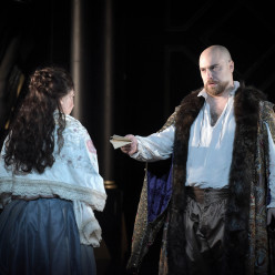 Roberto Devereux par David McVicar