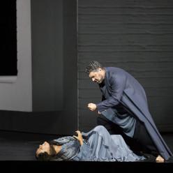 Anna Netrebko & Luca Salsi - Aida par Shirin Neshat
