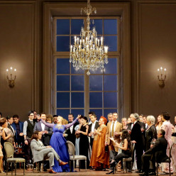 La Traviata (Dmitri Tcherniakov - 2013) - Cover News