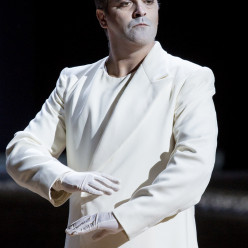 Piero Pretti dans Madame Butterfly