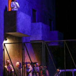 Rebecca Nelsen, Alexandre Beuchat - Rigoletto par Stephen Langridge