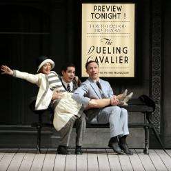 Clare Halse (Kathy Selden), Dan Burton (Don Lockwood) et Daniel Crossley (Cosmo Brown)