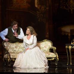 Peter Rose (Baron Ochs) et Michaela Kaune (la Maréchale)