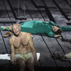 Bo Skovhus dans Lear