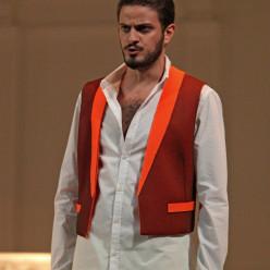 Vincenzo Nizzardo dans Cosi Fan Tutte par Frédéric Roels