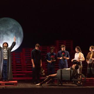 Le Monde de la lune de Marc Paquien