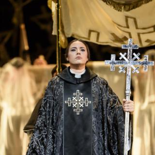 Norma de Alex Ollé, Valentina Carrasco