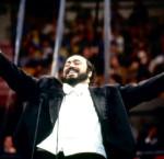 Le Père Noël à l'opéra : Minuit chrétiens, par Luciano Pavarotti