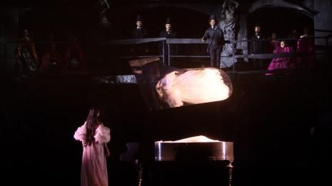 Les Puritains par Vincent Boussard à l'Opéra Royal de Wallonie-Liège