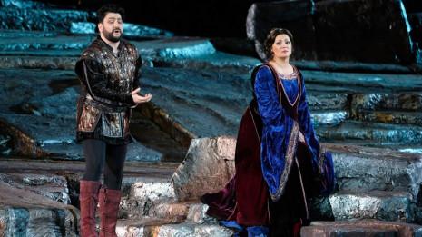 Le Trouvère de Verdi aux Arènes de Vérone - Netrebko & Eyvazov, mise en scène Zeffirelli