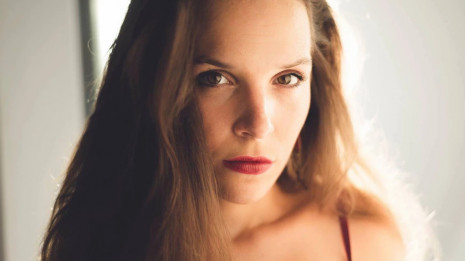 Jeanne Gérard : Jeanine Tesori - The girl in 14G